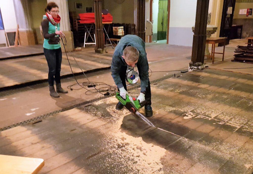 Ausbau des Fußbodens der Friedenskirche